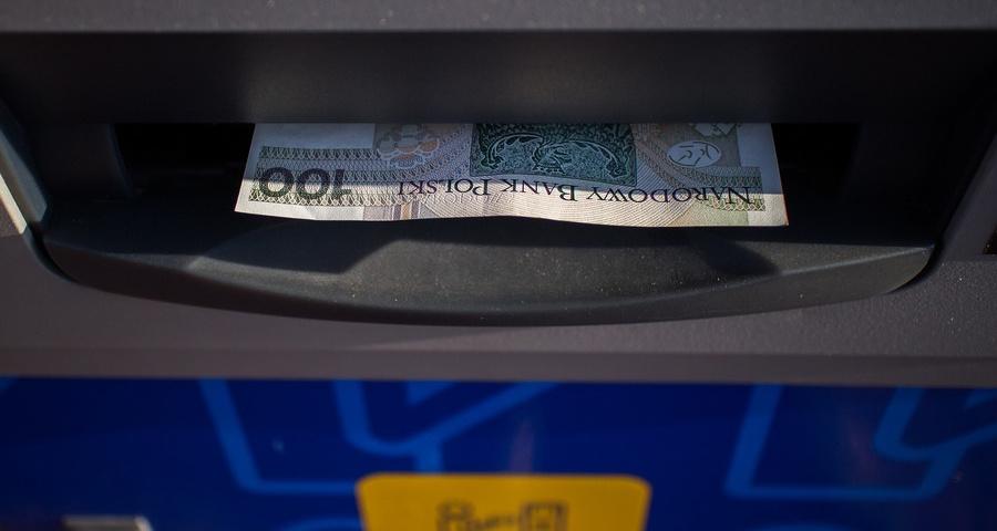 Системи переказу грошей з Польщі в Україну. Що потрібно для переказу грошей. Комісія від суми переказів грошей з Польщі в Україну